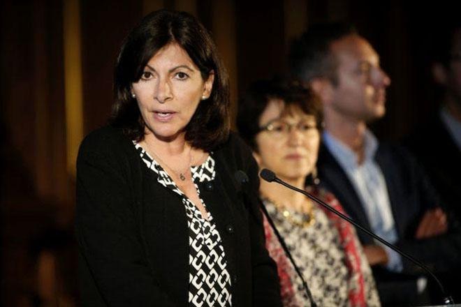 Paris mayor announces plan for migrant camp