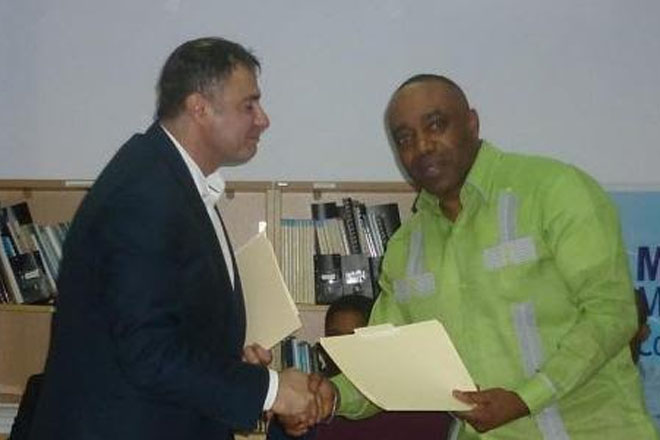 Dominica government signs housing contract financed by CBI program