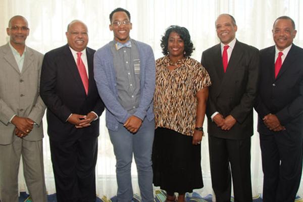 Bermuda student at Windsor Medical School gets scholarship