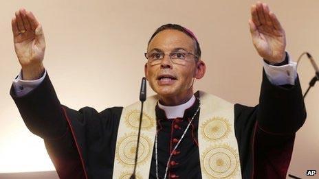 Vatican suspends 'bishop of bling' Tebartz-van Elst