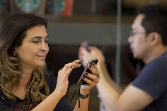Brazil judge lifts WhatsApp suspension