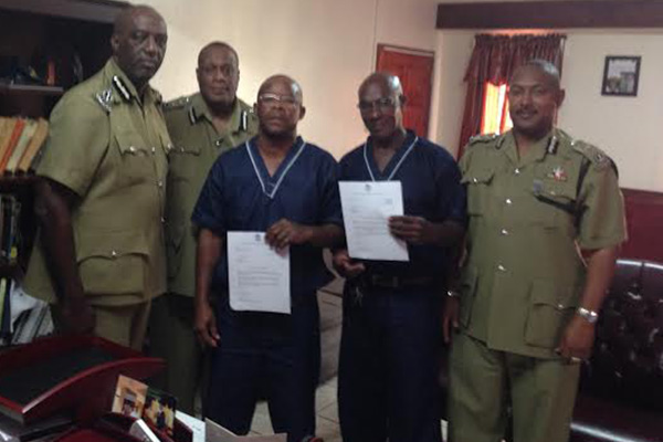 Prisoners commended for their hard work by the Commissioner of Police