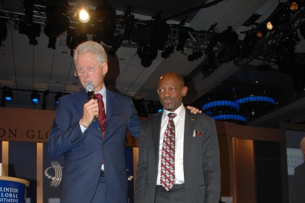 Former U.S. president Bill Clinton showers praise on PM Douglas, credits him with initiating availability of low cost HIV/AIDS drugs