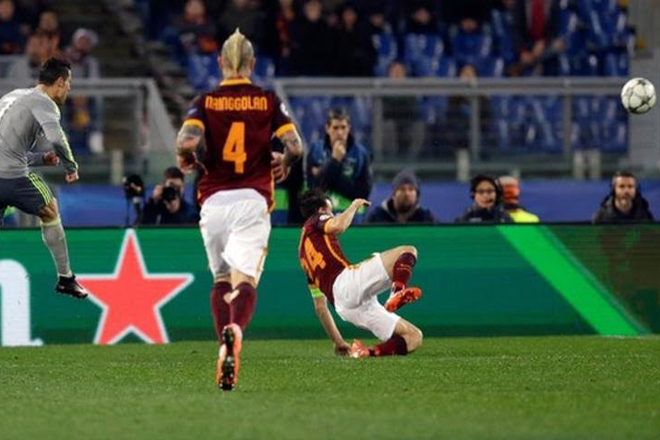 Ronaldo scores as Real beat Roma