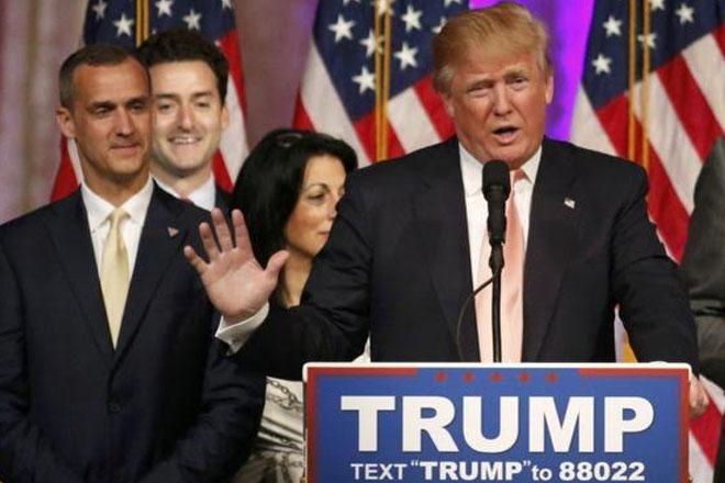 US election: Trump 'fires' campaign boss Lewandowski