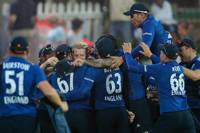 England make 399-9 to beat South Africa in Bloemfontein