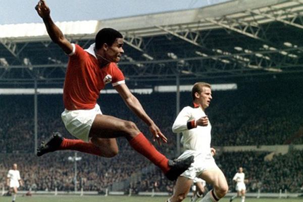 Football legend Eusebio dies at 71