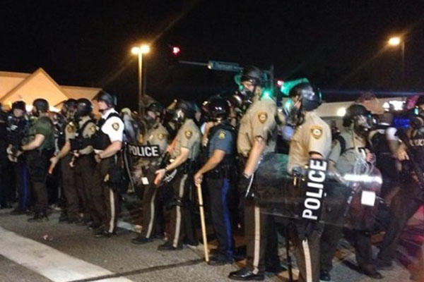 'This has to stop': 31 arrested after fresh confrontation in Ferguson
