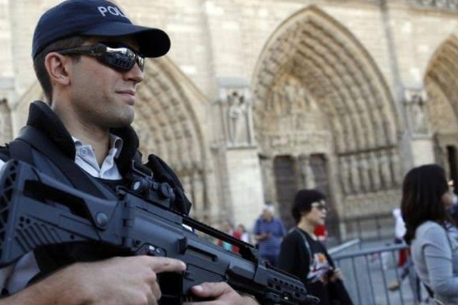 Foiled Paris attack 'was directed by IS