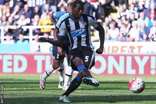 Georginio Wijnaldum: Liverpool agree £25m deal with Newcastle for midfielder