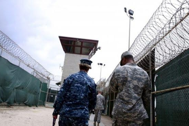 Guantanamo Bay: US in largest detainee transfer under Obama