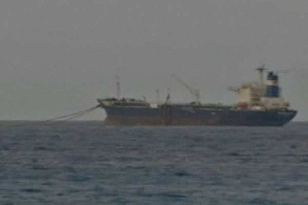 Navy SEALs take back control of hijacked tanker