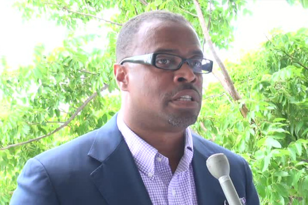 Nevis Tourism Minister applauds Nisbet Plantation Beach Club for another top award