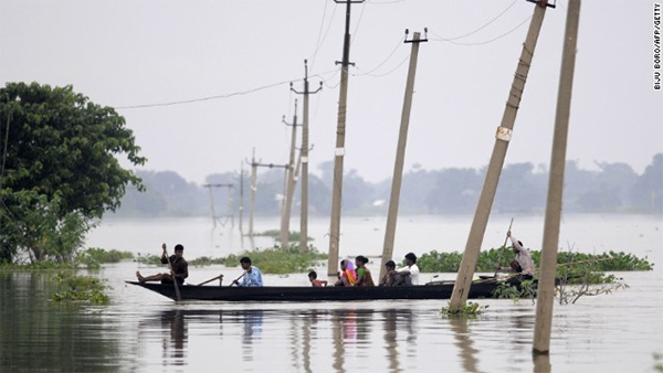 Hundreds dead as monsoon brings chaos to northern India, Nepal