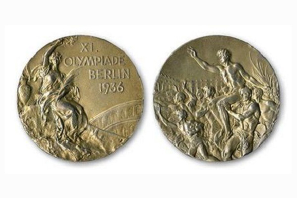 Jesse Owens' Olympic gold medal sells for record US$1.4m