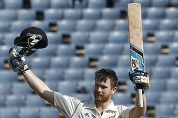 Neesham, Watling lead New Zealand to 508