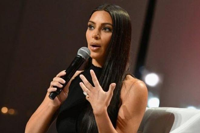Kim Kardashian robbery: Paris police hunt armed attackers