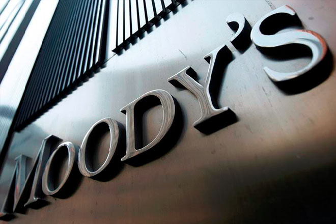 Moody's puts Bahamas on review for downgrade