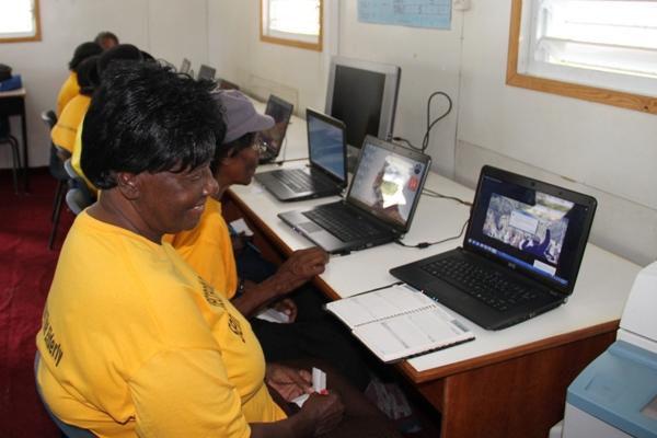 Nevis seniors commence computer classes