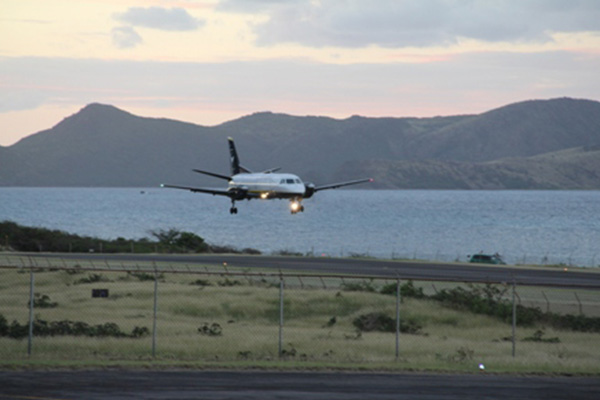 Seaborne Airlines makes inaugural flight to Nevis; NIA pleased