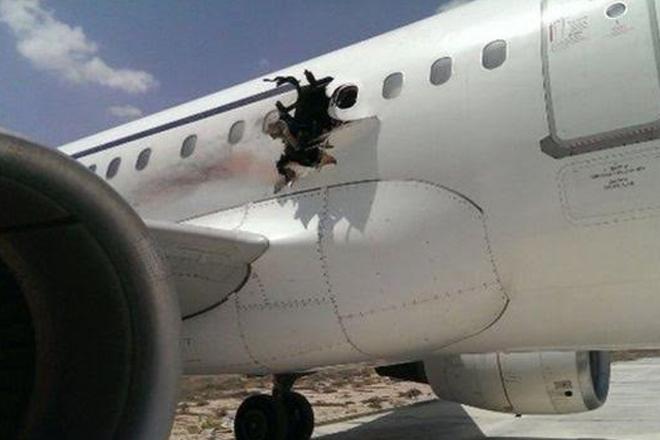 Somali plane 'was holed by bomb' after Mogadishu take-off