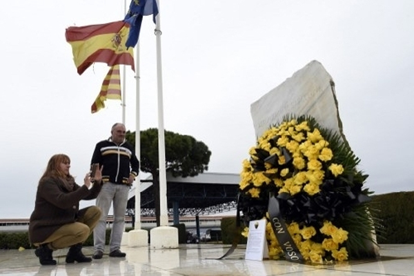 Flags at half-mast as Spain mourns air crash victims