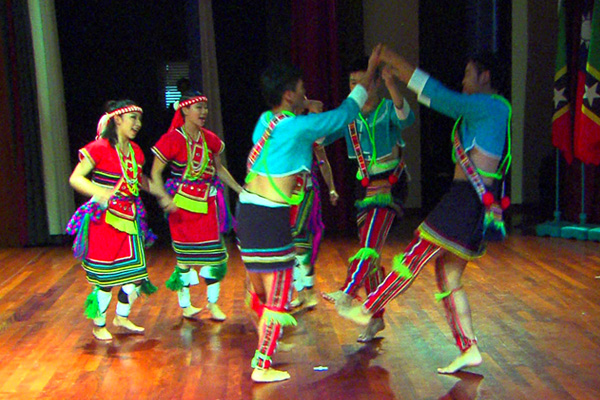 Taiwanese Youth host Cultural Performance