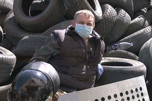 We want out of Ukraine: Donetsk protesters dig in at government building