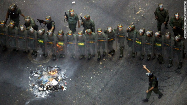 Venezuela anti-government protests turn deadly; 3 killed