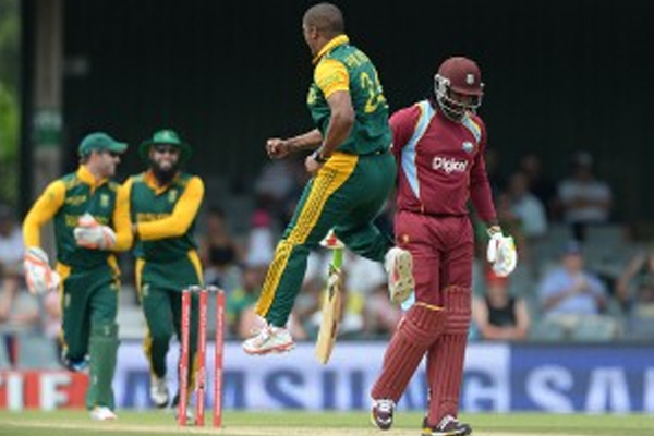South Africa take series against feeble West Indies