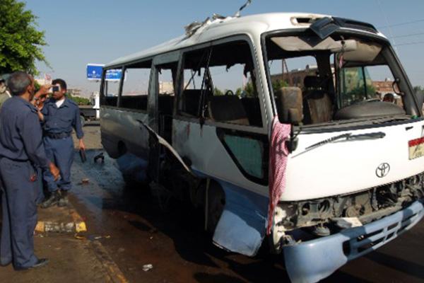 Bus blast kills 2 soldiers in Yemeni capital