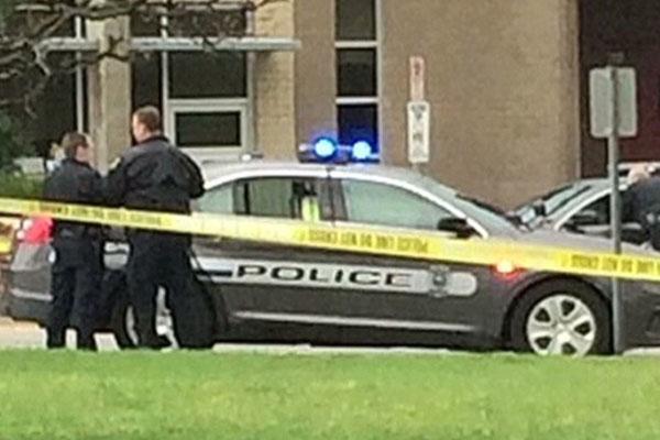 Police arrest 'raging anti-Semite' in Kansas Jewish centre shootings