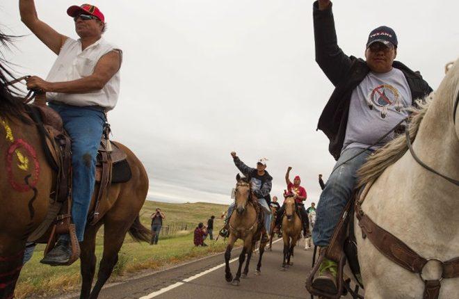 Dakota Access Pipeline: Authorities start removing protesters