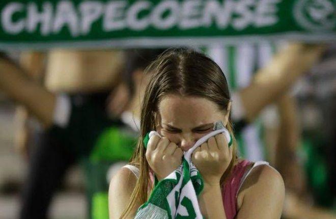 Chapecoense plane crash: Thousands of fans hold vigil for team