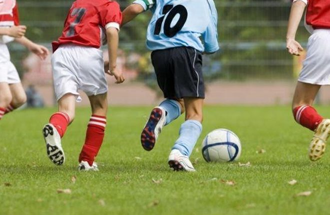 Hundreds report football child abuse to police