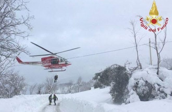 Italy avalanche: 'Many missing' in Rigopiano hotel in Abruzzo