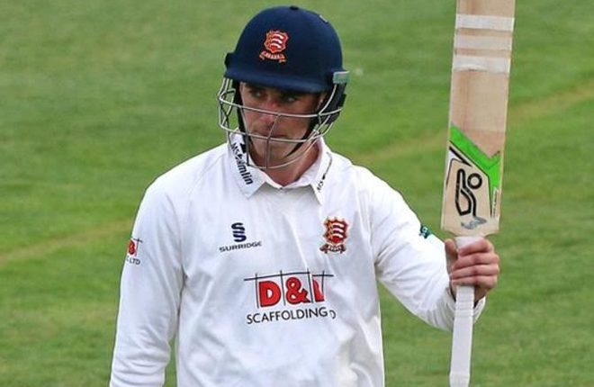 Dan Lawrence: Essex 'cannot celebrate draw' against Lancashire