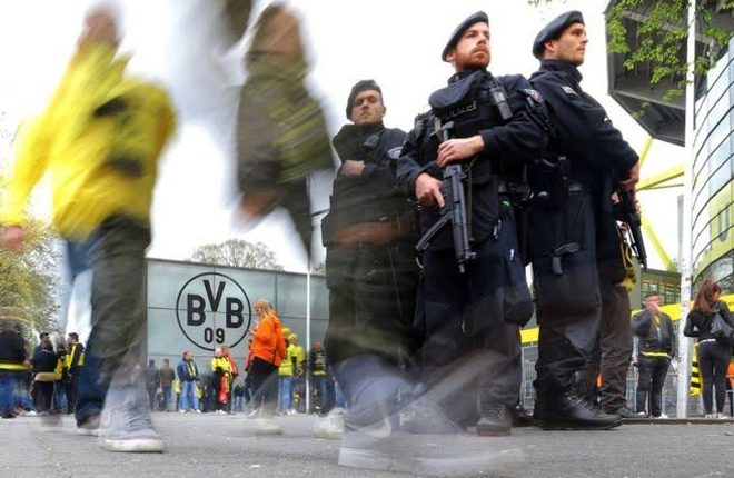 Dortmund explosions: 'Islamist' suspect held over team bus attack