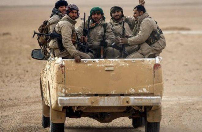 Syria war: Turkey denounces US 'terror army' plan for border