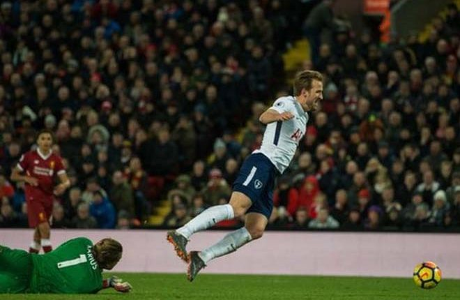 Harry Kane: Tottenham striker says he 'felt contact' to win penalty at Liverpool