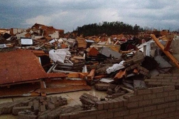 'Chaos' reigns as deadly tornadoes slam several states