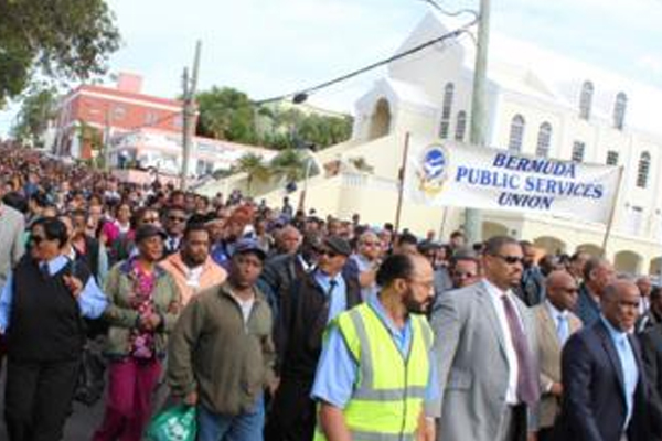 Thousands of Bermuda government workers hold mass meeting