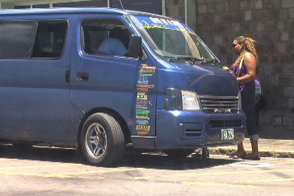 Police warn bus drivers not to overcharge commuters