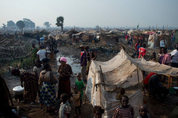 U.N. resumes aid to 'desperate' Central African Republic refugees