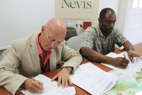 Nevis Administration signs agreement with Caribbean Helicopters Ltd. for added airlift