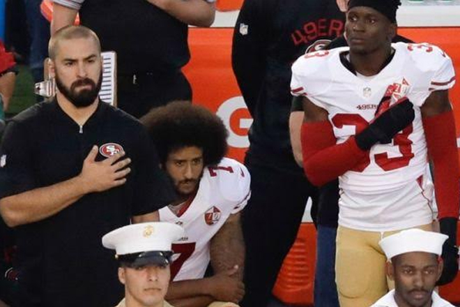 Obama backs NFL player Colin Kaepernick's right to snub anthem
