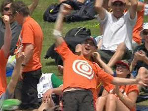 Fan lands $100,000 with Powell catch