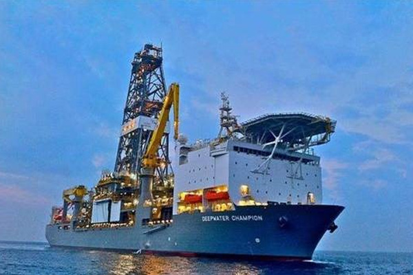 Oil exploration rig heading to Guyana