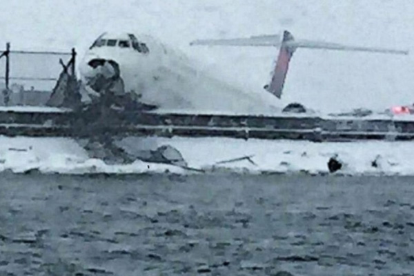 24 injured after Delta plane skids off runway in NY