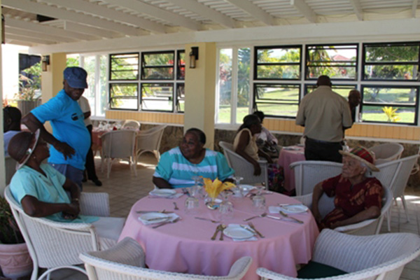 Empire Sports Club partners with Ministry of Social Development for successful seniors outing